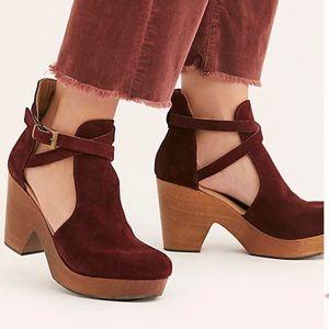 New Free People Cedar Clog Sandal  Size 39 -Merlot
